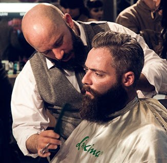 Barbero peluquero de hombre